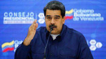 maduro cerro el espacio aereo de venezuela y la frontera con brasil
