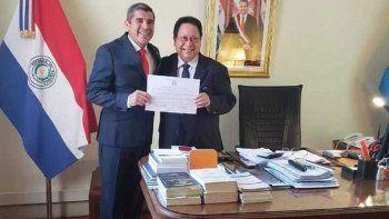 renuncio consul de paraguay por un acoso sexual