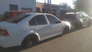 los robarruedas no descansan: atacaron dos autos en belgrano