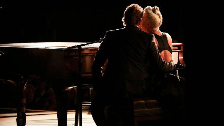 El momento hot y los mejores memes de Lady Gaga y Bradley Cooper en los Oscar