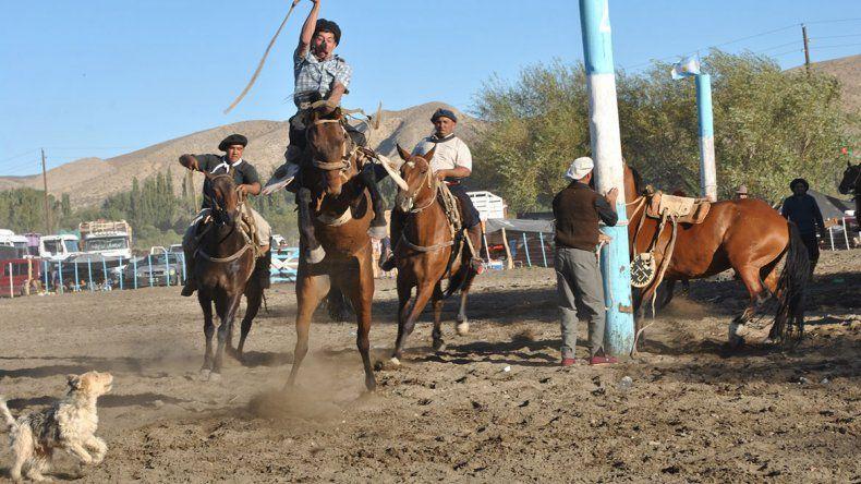 Los agricultores tuvieron su fiesta en Bajada del Agrio