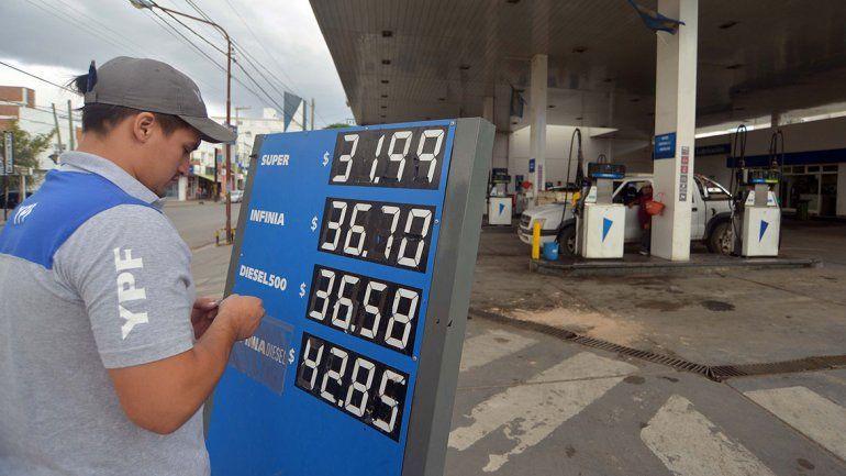 El gobierno intenta reducir el aumento de naftas
