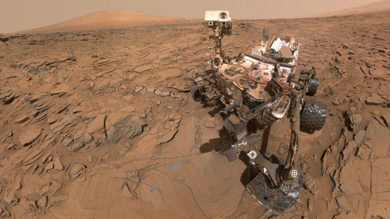 Piedras en el camino de la sonda que está en Marte