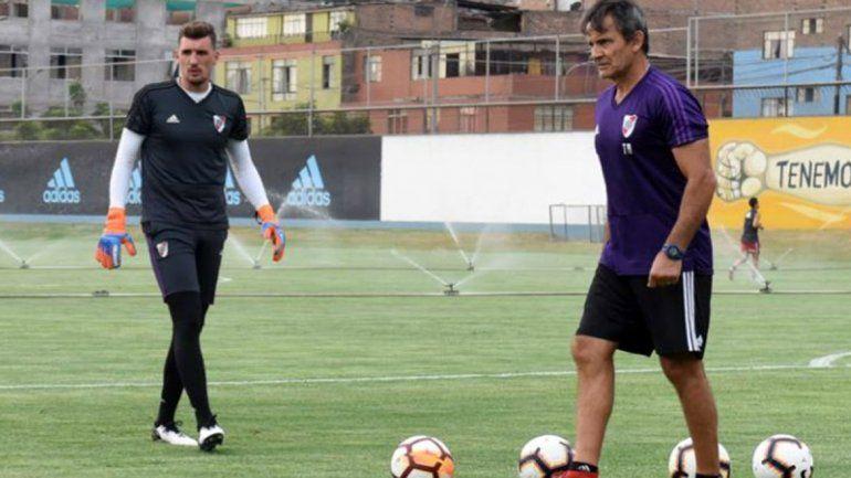 El plantel de River completó la última práctica previa al estreno en la Copa Libertadores en el predio del Sporting Cristal de Perú.