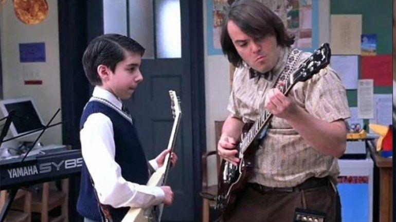 Detuvieron a un actor de Escuela de Rock por robar guitarras