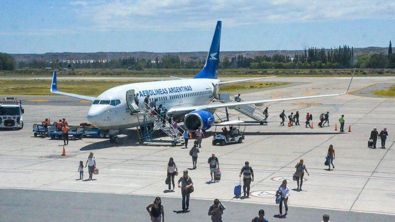 En verano, aeropuertos neuquinos recibieron 20% más de pasajeros
