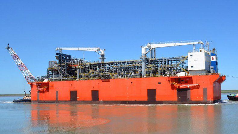Histórico: el gas natural licuado de Vaca Muerta, a punto de ser exportado desde Bahía Blanca