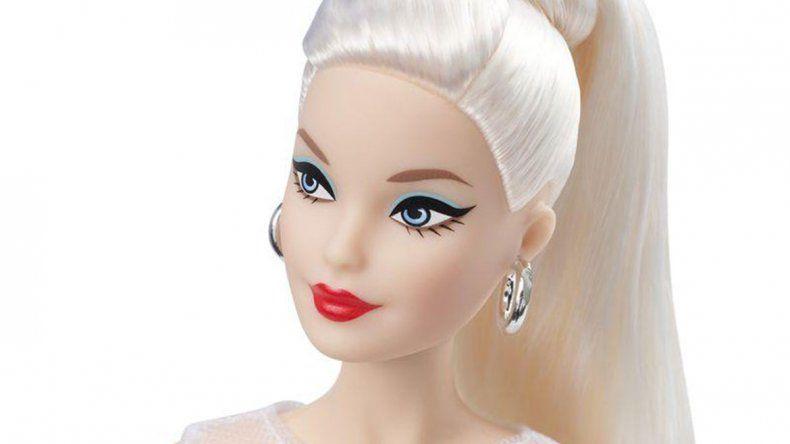 Lanzaron una Barbie de 60 años con canas