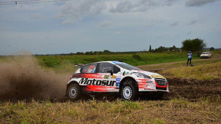 Suriani tiene manejo y auto para meterse en el podio del rally