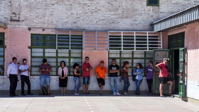Fotogalería: el color de una jornada de elecciones en Neuquén