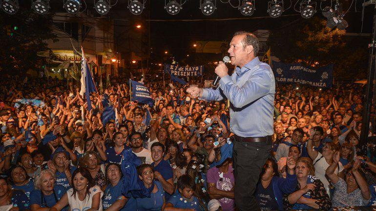 Un festejo con militantes y críticas a las encuestas