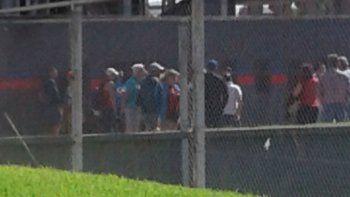 preocupacion en san lorenzo: barras visitaron al plantel