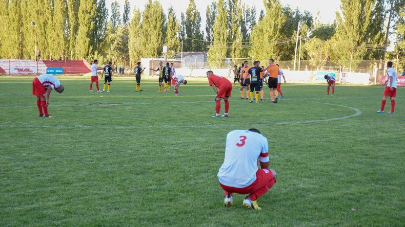 Independiente de Neuquén perdió y descendió al Regional Amateur