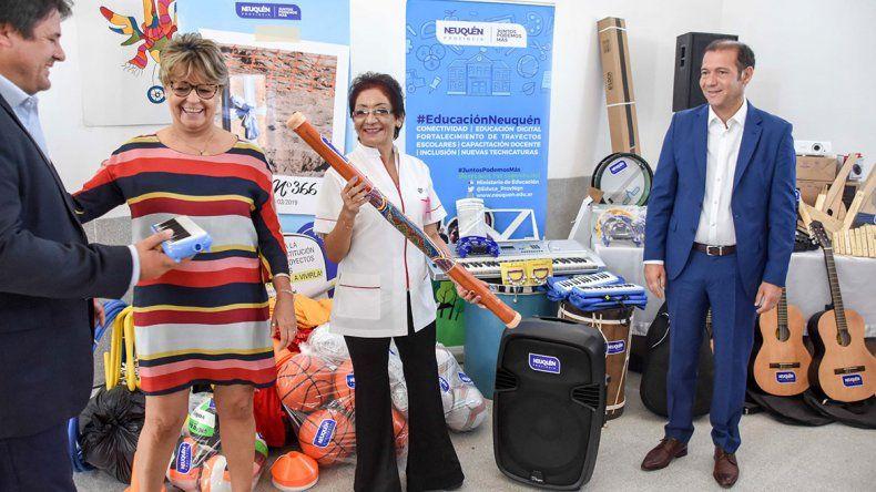 Inicio de clases: Gutiérrez inauguró la escuela de Nueva Esperanza