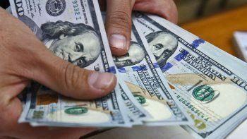 quinta suba al hilo: el dolar cerro en 43 pesos