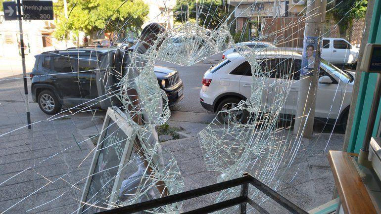 Panaderías en la mira: por tercera vez en dos meses destrozan un local en el centro