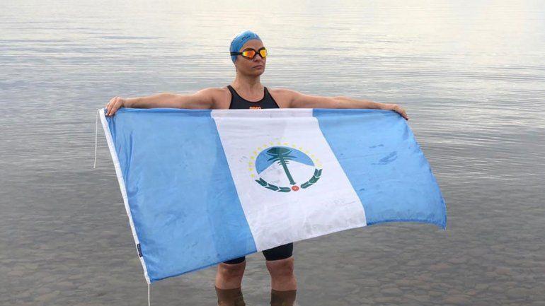 Neuquina cruzó a nado el Estrecho de San Carlos en Malvinas