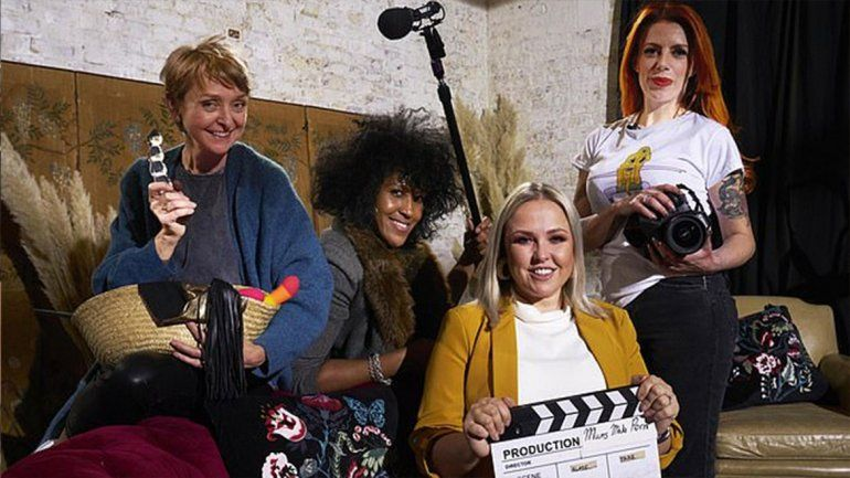 Un grupo de madres grabó una película porno apta para sus hijos