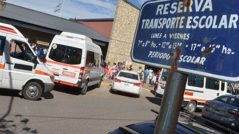 La Muni habilitó menos transportes escolares este año