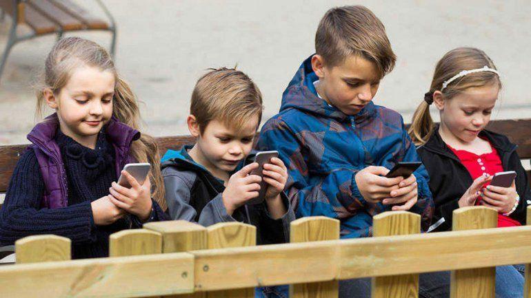 Uso del celular: ¿cuándo es abuso y cuándo adicción?