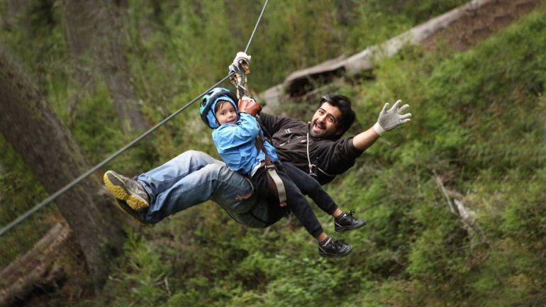 Días de naturaleza y adrenalina vive Villa La Angostura