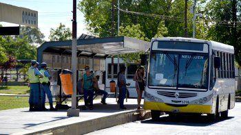 autobuses neuquen ya presta servicios tras el bloqueo