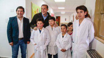 gutierrez inauguro la ampliacion de la escuela 261 de moquehue