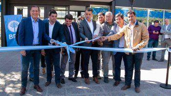 gutierrez inauguro nueva sede del bpn  y una obra escolar