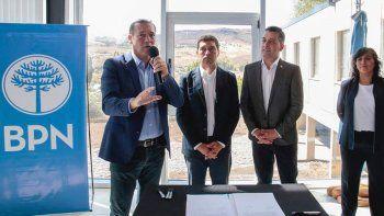gutierrez anuncio la construccion de 56 viviendas en alumine