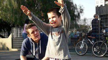 la emocion de mauro szeta luego de que su nieto con autismo consiguiera colegio