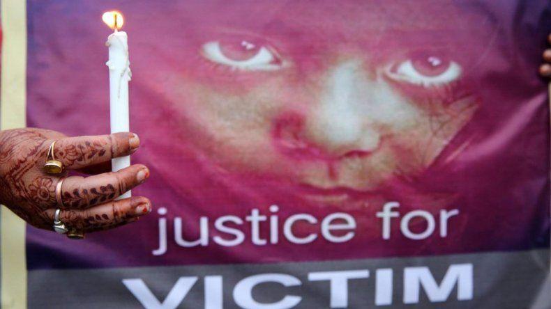 La violaron su tío y sus hermanos y la decapitaron