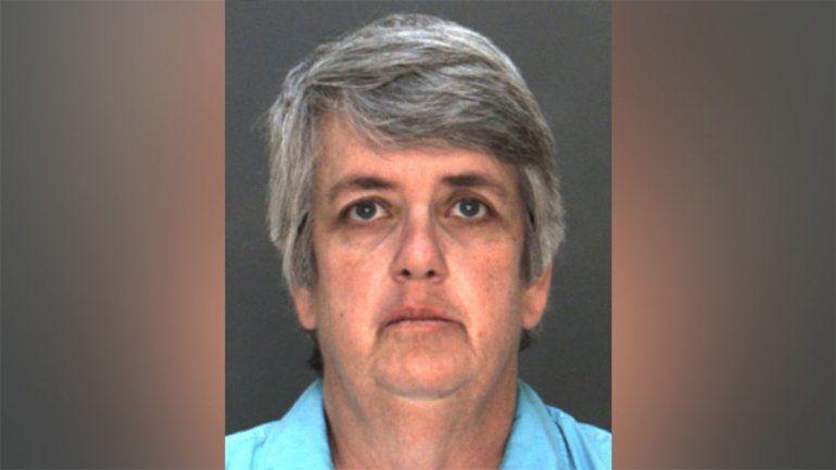 Una profesora de 51 años tuvo sexo con alumna de 16