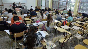 el 60% de los estudiantes de la unco aprueba una sola materia al ano