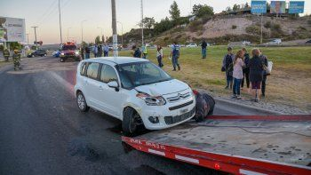un peligro: derrame de aceite en plena ruta 7 provoco un caos vehicular y un choque