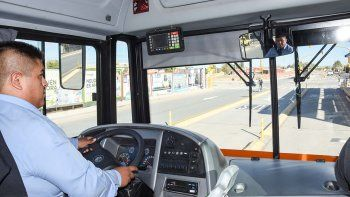 expectativas en el oeste neuquino: el metrobus tuvo su prueba piloto