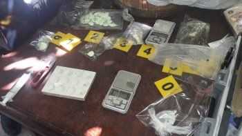 desbarataron un kiosco narco: secuestraron $ 28 mil
