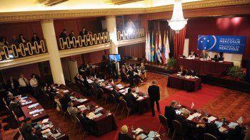 macri no quiere que se elija mas diputados del parlasur