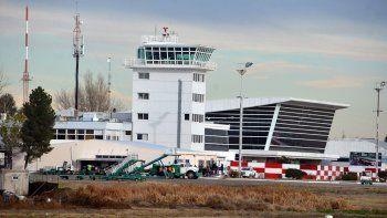 el sistema medico del aeropuerto en jaque tras una muerte subita