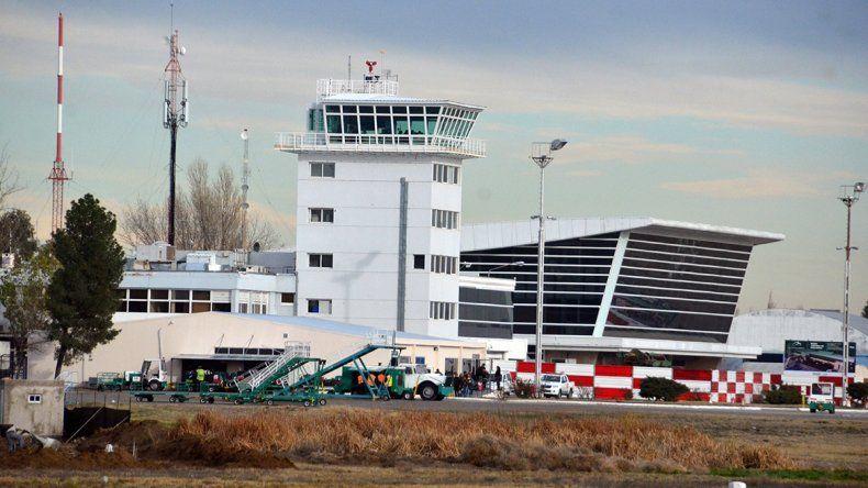 Una muerte súbita dejó en jaque al sistema de emergencias del aeropuerto
