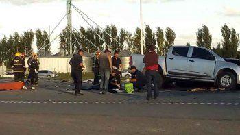 ocho muertos en un choque entre un camion y camioneta