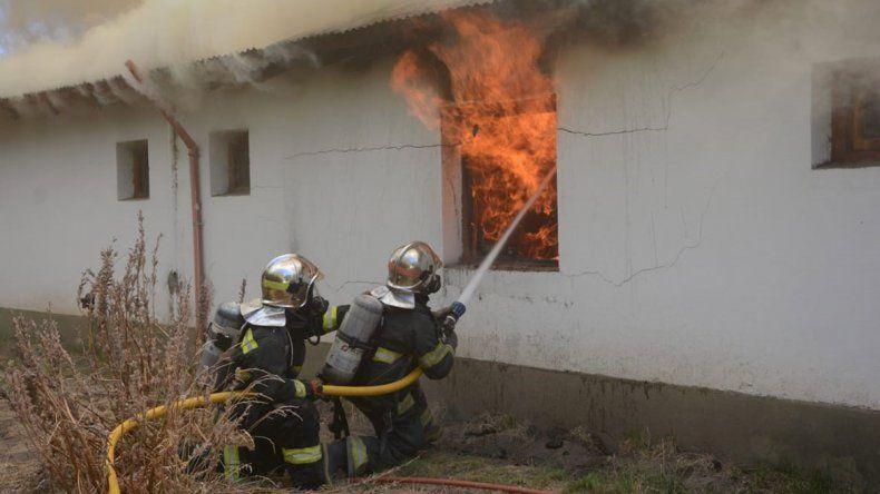 Un incendio consumió una vivienda cerca de Junín