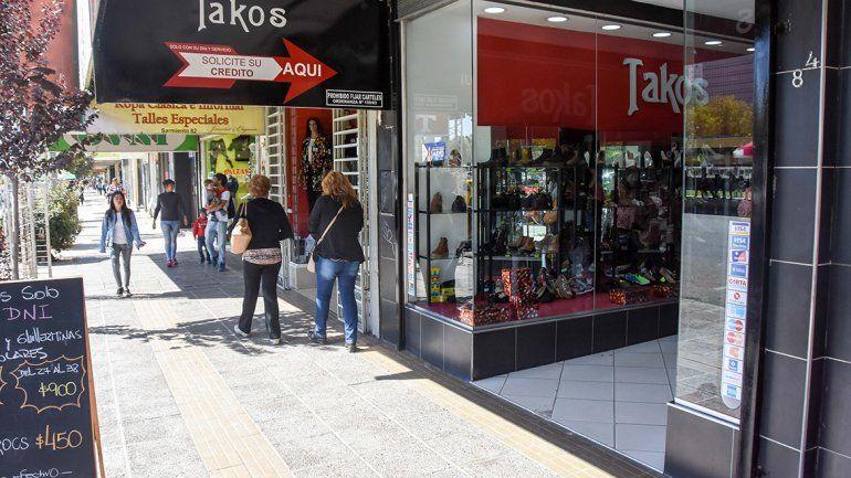 Los comerciantes penan por la caída en las ventas