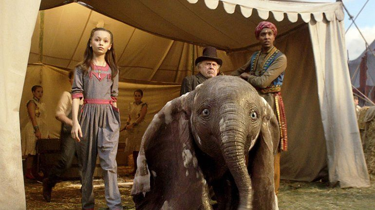 A 77 años de su estreno, llega la versión Tim Burton de Dumbo