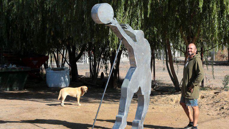 La palomita de Manu ahora será monumento