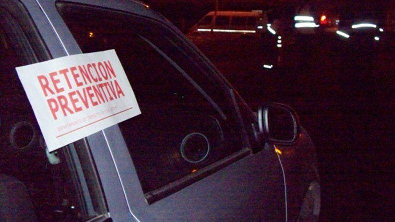 Municipal cayó en un control de alcoholemia y golpeó al inspector
