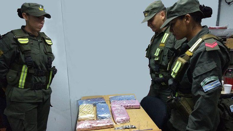 A poco de llegar a destino le encontraron 7 kilos de marihuana