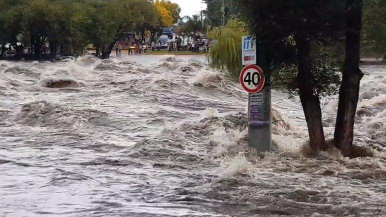 Al menos 260 evacuados por inundaciones en Córdoba