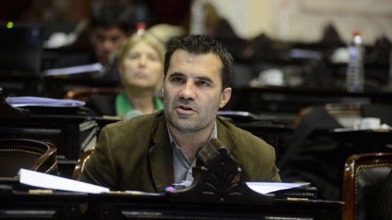 Por Ganancias a jubilados, Martínez pide sesión urgente