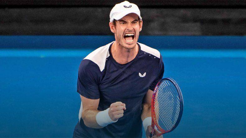 Murray volvió a tomar una raqueta tras la operación