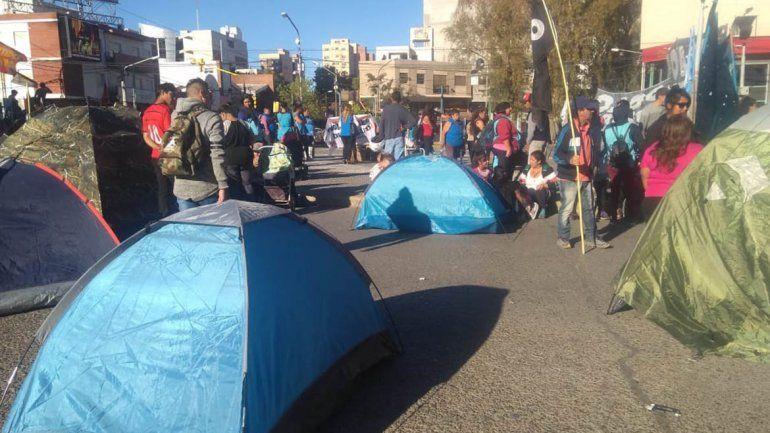 Barrios de Pie con acampe en el centro y tensión en Buenos Aires